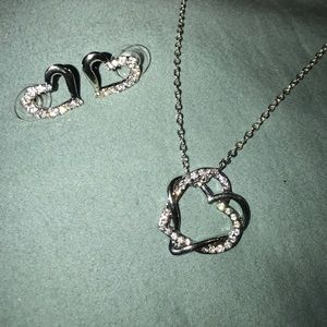 alloy Jewelry - NWT intertwined heart necklace and earring set