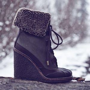 Tory Burch Shoes - NEW TORY BURCH SHEARLING WEDGE BOOT