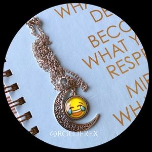 Jewelry - Emoji in 🌙 Necklace
