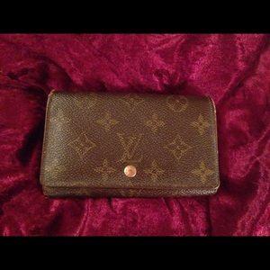 Louis Vuitton Handbags - 🌟Authentic Louis Vuitton Wallet🌟