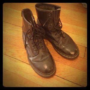 Doc Martens air walks boots size 6