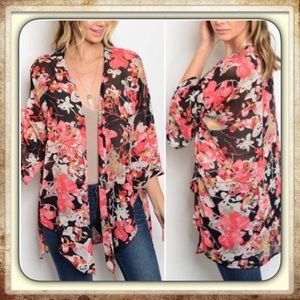 Peach Love California Tops - NWT⭐️Hi-Lo Floral Kimono