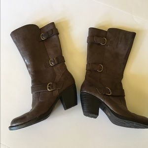 NWOT Born Maleri boots