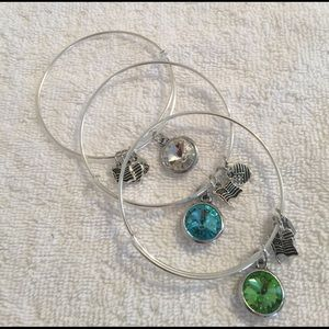Jewelry - 🔴PRICE CUT🔴Bangle Bundle (3)