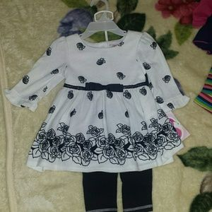 Youngland Other - Baby girl 2T outfit