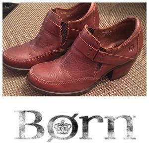 Born Shoes - Gorgeous Born brown leather booties size 7