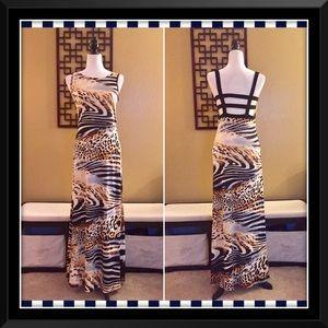 VENUS Dresses & Skirts - Sexy VENUS Maxi Dress