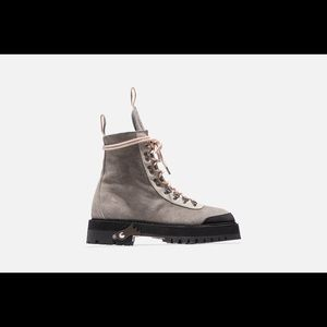 Off-White Shoes - Ronnie Fieg x Off-White Women's Mountain Boot