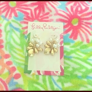 NWT Lilly Pulitzer GWP gold/pearl earrings