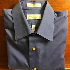Van Heusen Other - Van Heusen  men's wrinkle fee, fitted shirt