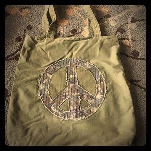 Handbags - ✌🏽Distressed Peace tote ✌🏽