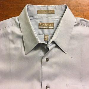 Van Heusen Other - Men's Van Heusen fitted wrinkle free shirt