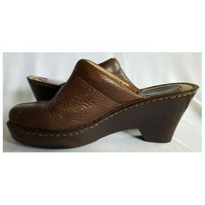 Born Shoes - Born Women's brown leather clogs size 10 slip on