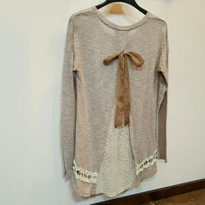 a'reve Tops - A'reve Hi-Lo Long Sleeve Top Lace Bow M