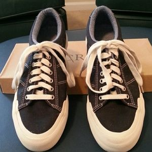 J. Crew Other - J.Crew Mens Casual Sneakers Size 6, Fits Womens 8