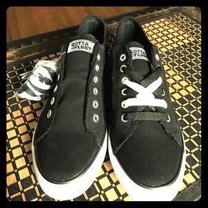Gotta Flurt Shoes - Reversible black & white sneaker shoe