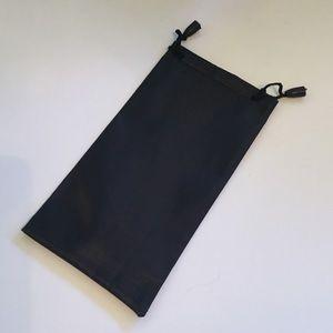 Boutique Accessories - 🎉HP🎉 Fashion Sunglasses w/silky protective case
