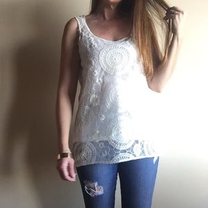 Kenneth Cole Tops - Cream lace lined tank top