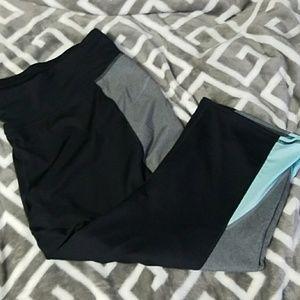 tek gear Pants - Tek Gear Women's Capri Pants