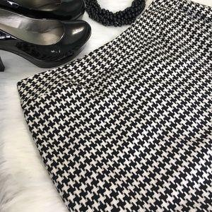 Worthington Dresses & Skirts - Worthington Size 14 Houndstooth Pencil Skirt
