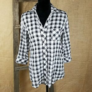Foxcroft Tops - Foxcroft women's 4 shaped fit button down