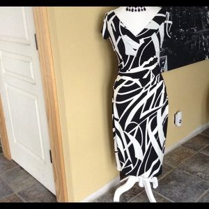 NWOT MAGGY LONDON BLACK/WHITE STUNNING DRESS