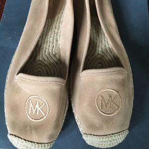 MK flat shoes new