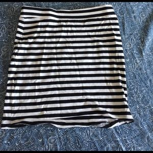 H&M Dresses & Skirts - NBW black and white striped Skirt
