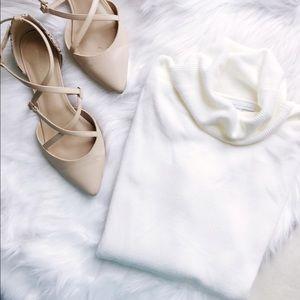 New York & Company Sweaters - Powder White Sweater🎀