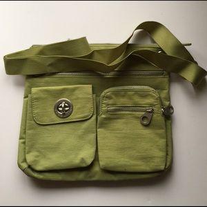 Baggallini Handbags - Baggallini Sydney Crossbody