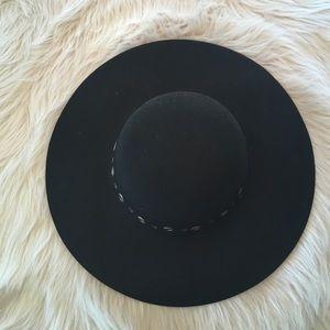 Melrose and market hat