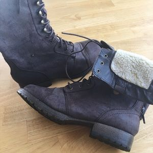 AEO Lined Combat Boots - Zip up/pull down