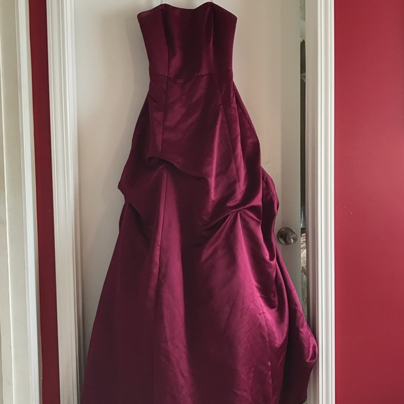 Davids Bridal Dresses | Beautiful Maroon Prom Dress Ball Gown Size 6 ...