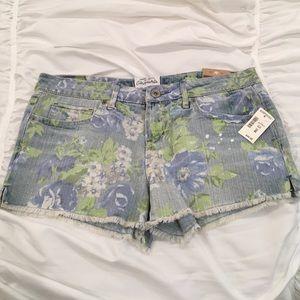 Aeropostale Pants - AEROPOSTALE NWT! Shorty Floral Blue Jean Shorts