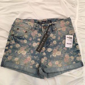 Celebrity Pink Pants - CELEBRITY PINK NWT! Floral Jean Shorts (Size 0)