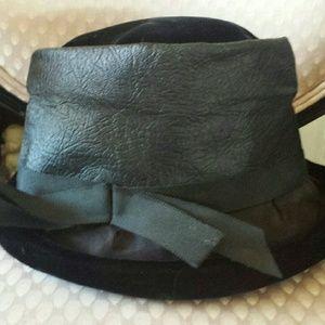 Accessories - *SALE* VINTAGE Velvet Leather Hat Steam Punk 6