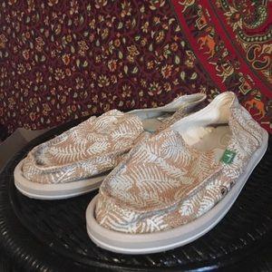 Sanuk Shoes - Sanuks