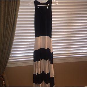 Karina Grimaldi Dresses & Skirts - Karina Grimaldi maxi dress