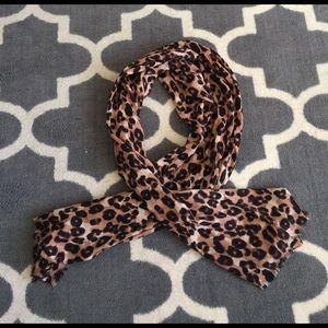 Banana Republic leopard print scarf