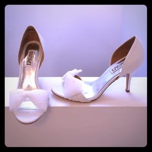 Badgley Mischka White Heels
