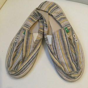 Sanuk Shoes - Sanuks for Spring 🌻🌻🌻🌻🌻🌻🌻🌻🌻🌻🌻🌻🌻🌻🌻🌻