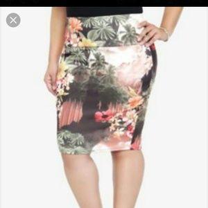 torrid Dresses & Skirts - Torrid Tropical Body Con Skirt