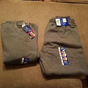 Fruit of the Loom Other - Mens Grey Sweatshirt and Sweatpants. Size XL.