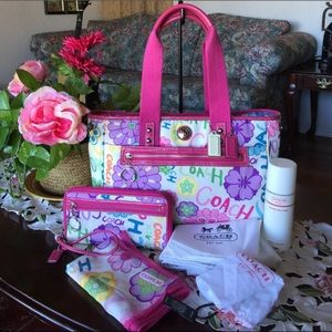 Coach Handbags - Coach daisy floral tote with matching set