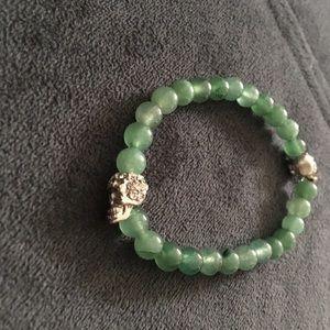 Nwot Trendy Jade & silver skull bracelet