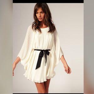 River Island Dresses & Skirts - River Island Pleated Batwing Dress