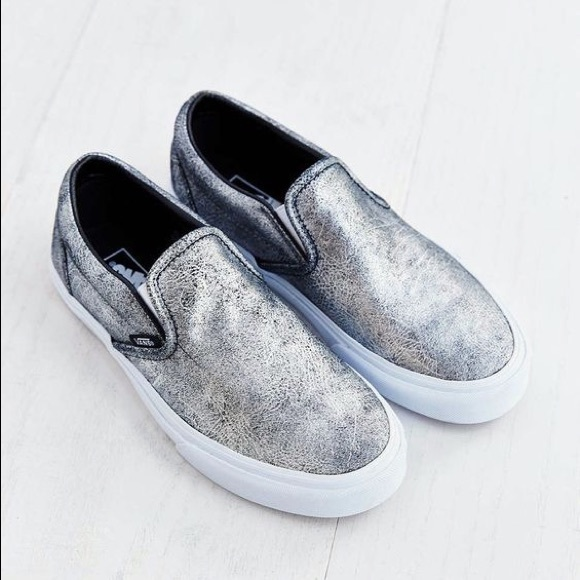 6152f834c2 Vans Asher Metallic Leather Slip-On. M 58cde302a88e7d36ef02ea79