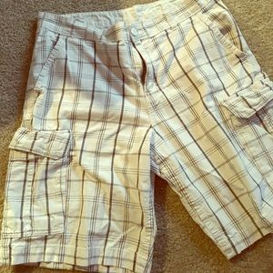 Faded Glory Other - Men's Checkered Cargo Shorts: 36, EUC!!