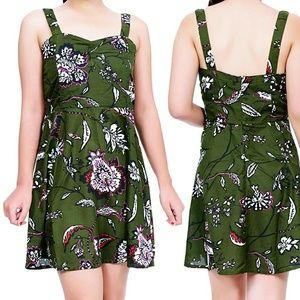 Lamora Dresses & Skirts - XS,S,M,L Floral Sweetheart Fit & Flare Dress NWT
