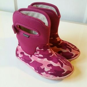 Bogs Other - Baby BOGS Pink Camo Rain Boots